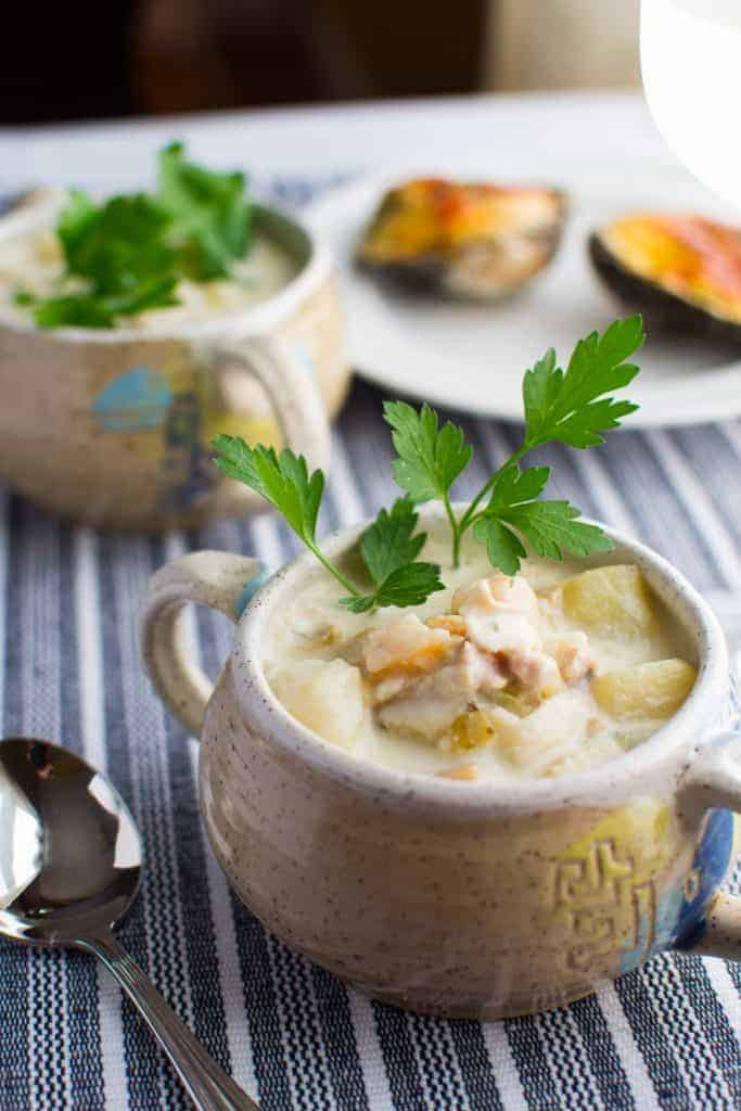 new england seafood chowder in soup crocks