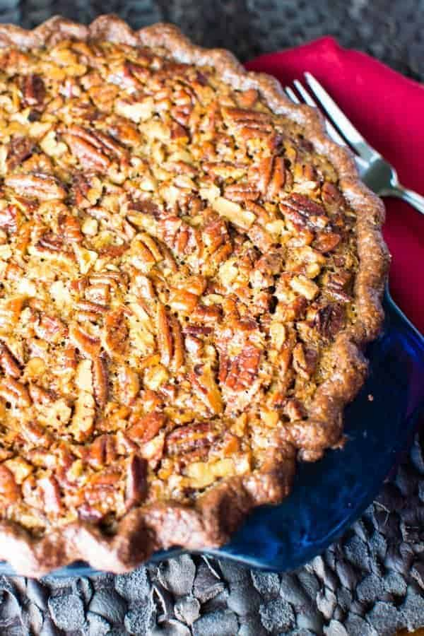 bourbon-pecan-pie-with-chocolate-crust-3