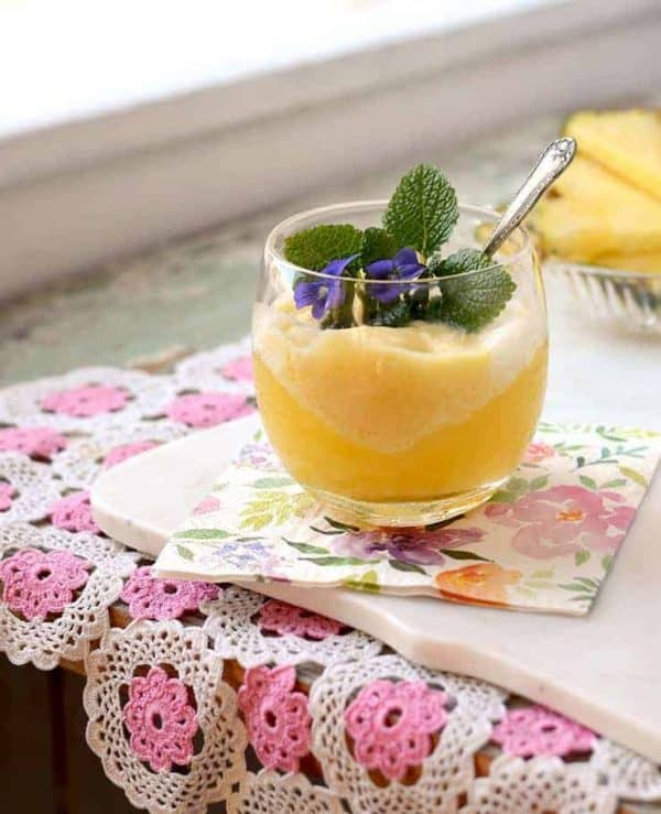 Glass-of-Prosecco-Pineapple-Cocktail-Web