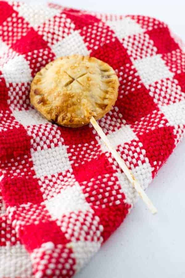 Strawberry Rhubarb Pie Pops