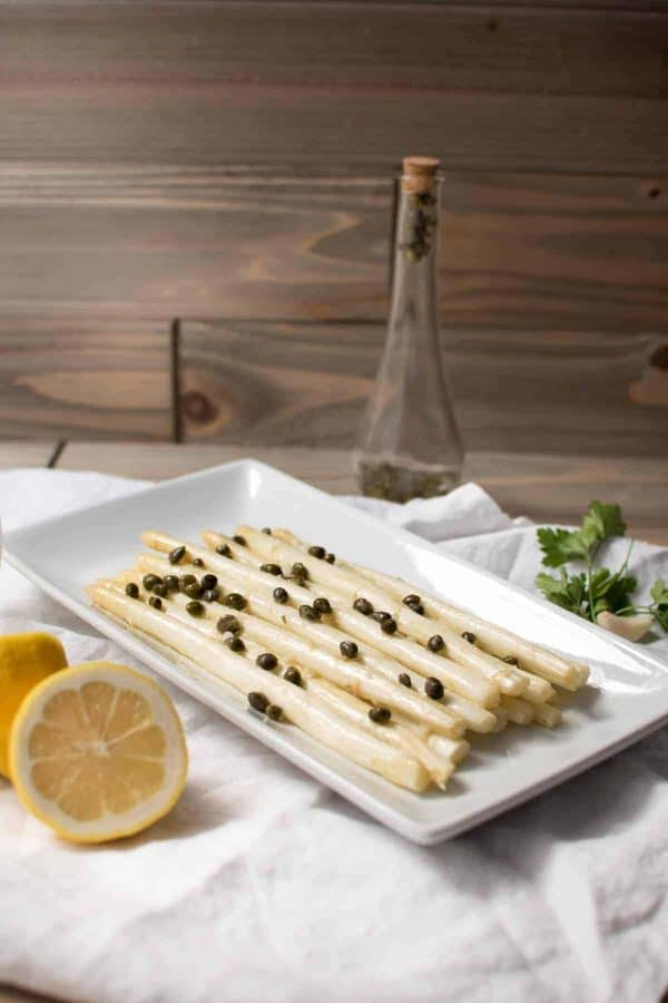 Lemony White Asparagus Piccata