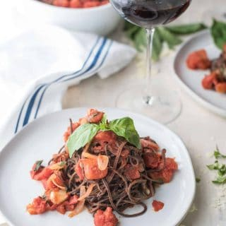 Garlicky Diced Tomato Sauce   Black Bean Spaghetti