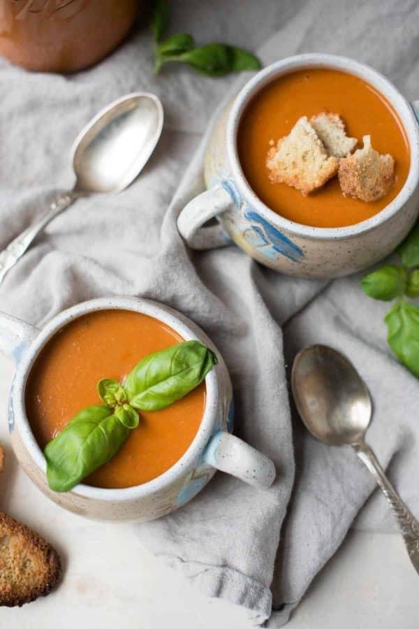 Instant Pot Creamy Vegan Tomato Soup