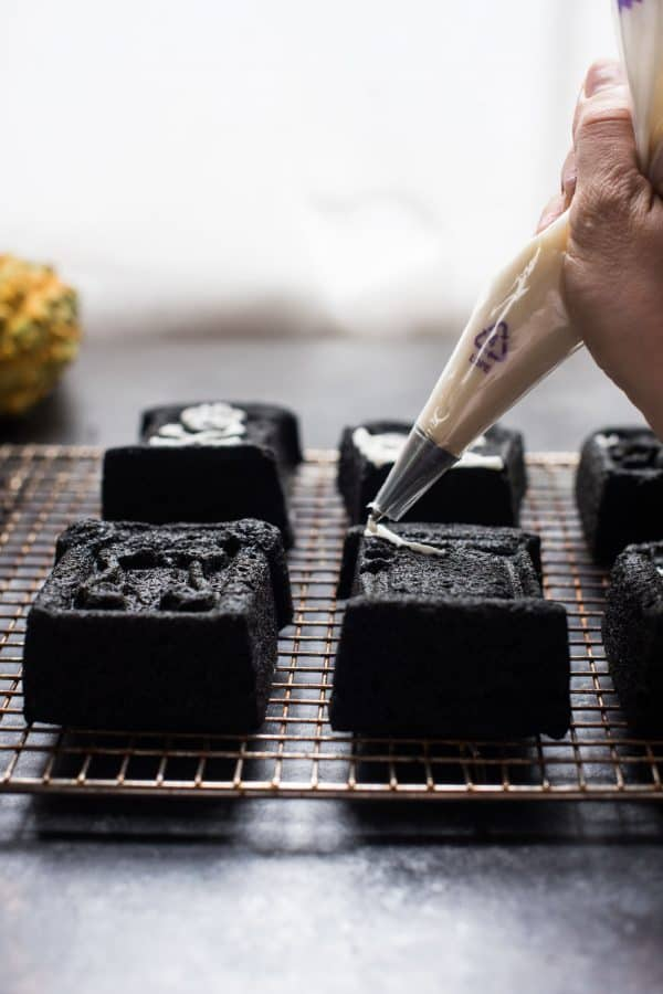 decorating tombstone cakes with icing sugar