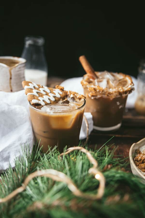 holiday white russians with gingerbread garnish